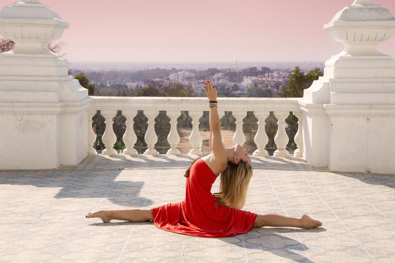 andara-stars-yoga-clothing-kino-macgregor