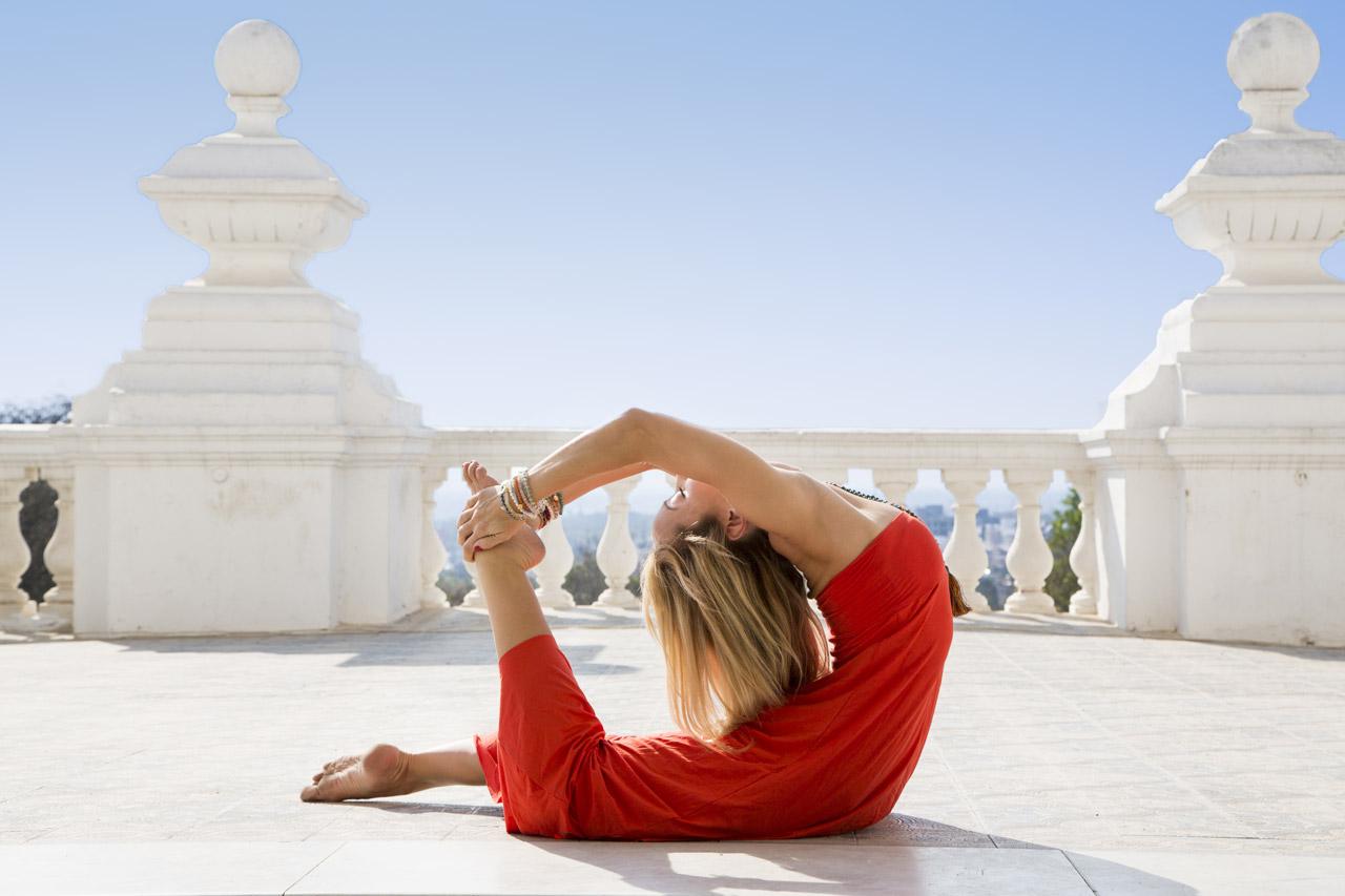 andara-stars-yoga-prana-dress-kino-macgregor