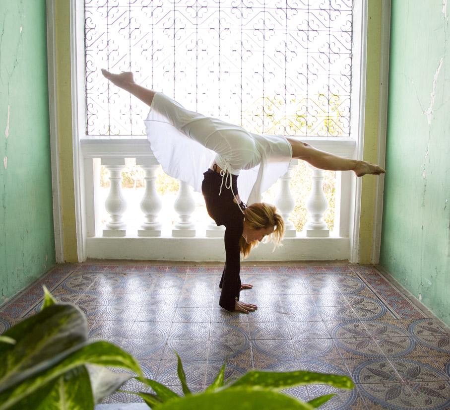 andara-stars-yoga-mindful-kino-macgregor