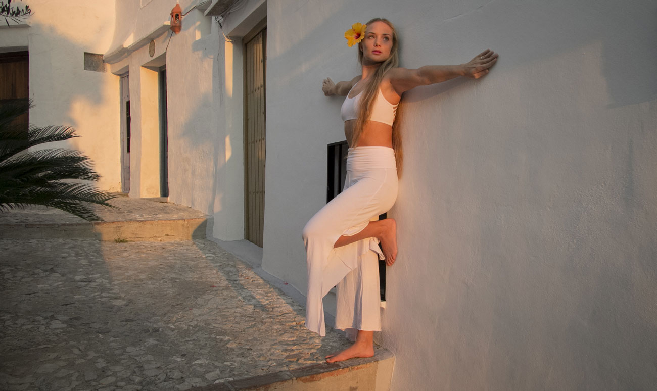 andara-stars-sky-flow-artist-hooper-frigiliana-bohemian