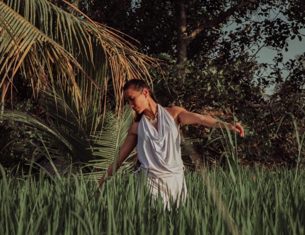 yoga-dress-natural-inspiration-ethical-wear-andara-stars